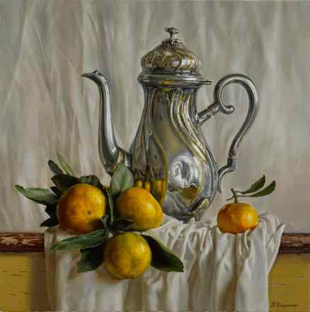 Kettle with tangerines